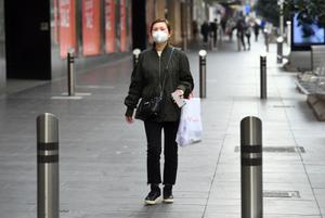 รัฐวิกตอเรีย ในออสเตรเลีย พบผู้ป่วยโควิด-19 พุ่งหลักร้อยตลอดทั้งสัปดาห์