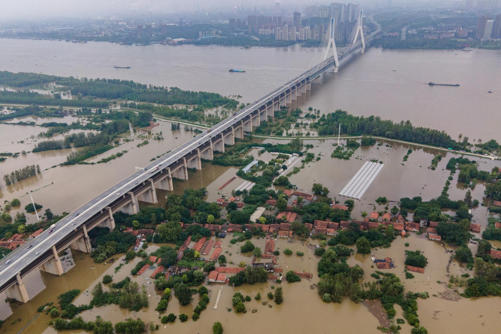 จีนวิกฤตอีก! โควิด-19 พ้นไป อุทกภัยมาเยือน กระทบประชาชนเกือบ 40 ล้านคน