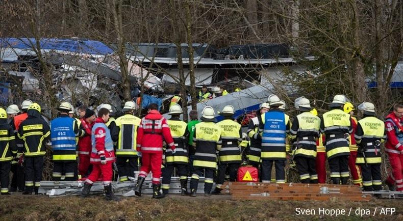 เกิดเหตุรถไฟชนกันในเยอรมนี ส่งผลให้มีผู้เสียชีวิต 8 ราย
