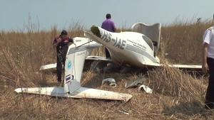 เครื่องบินฝึกขนาดเล็ก ตกกลางไร่มันที่นครพนม เจ็บ 2
