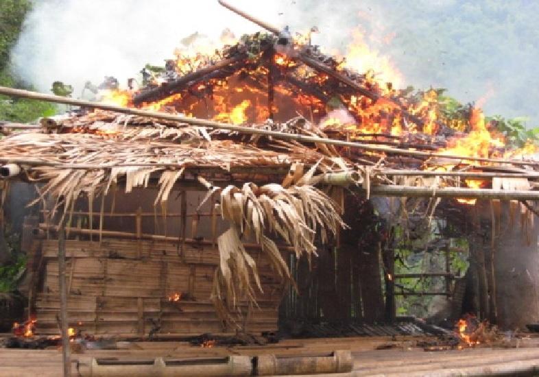 """ถอดสมการข่าว EP.5  """"ปู่คออี้ ทัศน์กมล บิลลี่ และบ้านที่ถูกเผาของกะเหรี่ยงแก่งกระจาน"""""""