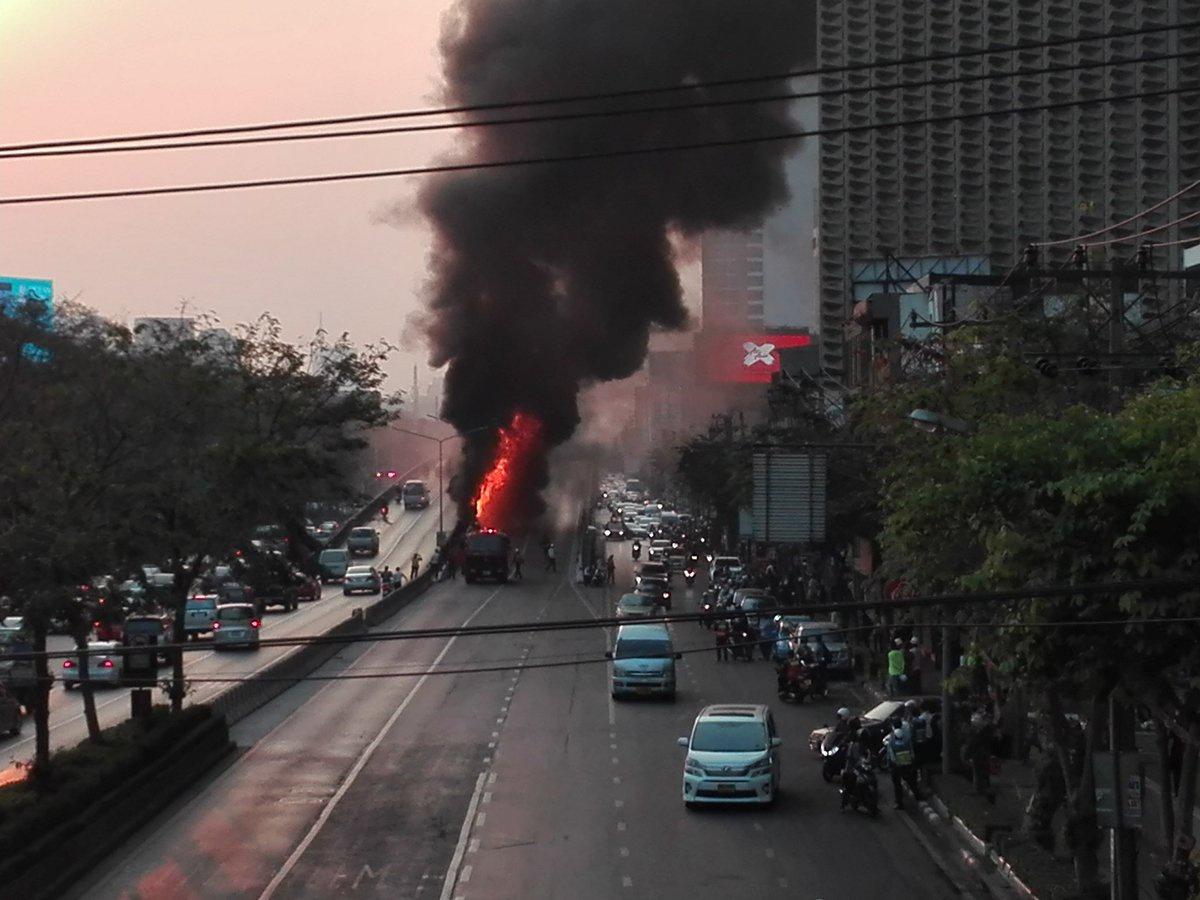 ด่วน! ไฟไหม้ถังขยะ สะพานไทย เบลเยียม
