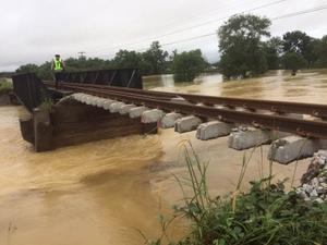 น้ำท่วมใต้เริ่มคลี่คลาย รถไฟแจ้งเปิดให้บริการเดินขบวนรถเพิ่ม