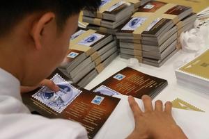 เตรียมส่งบัตรภาพผนึกแสตมป์ ร.9 ถึงมือ ปชช. ภายใน 20 ม.ค. 60