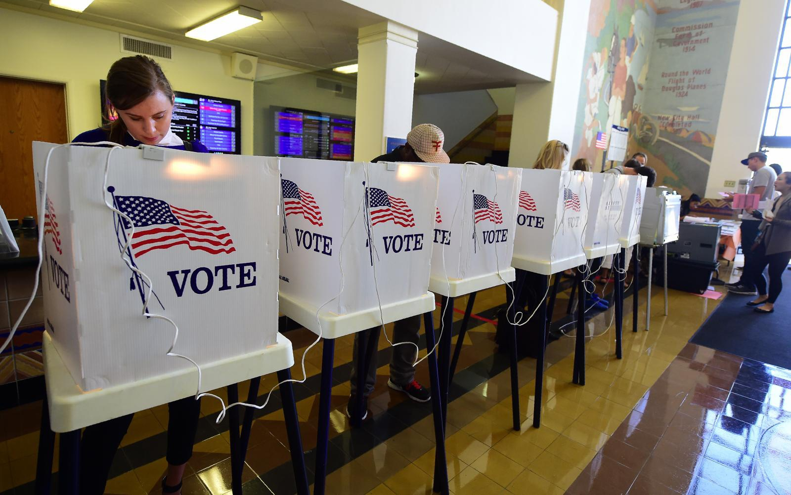 เกาะติดการนับคะแนนเลือกตั้งประธานาธิบดีสหรัฐคนที่ 45