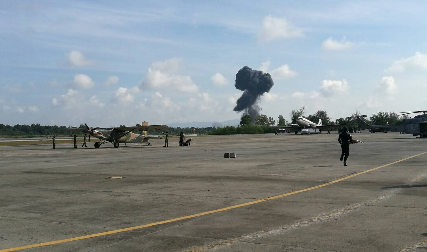 เครื่องบินผาดแผลง โชว์งานวันเด็กหาดใหญ่ตก นักบินเสียชีวิต (คลิป)