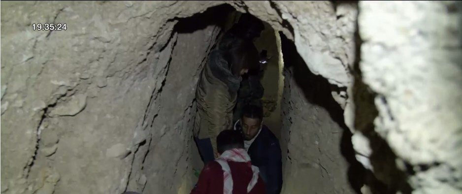 """สำรวจพื้นที่ """"อุโมงค์ใต้ดิน"""" เมืองโมซุล"""