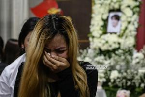 """แฟนคลับชาวไทยร่วมอาลัยนักร้องเกาหลี """"จงฮยอน SHINee"""" เป็นครั้งสุดท้าย"""