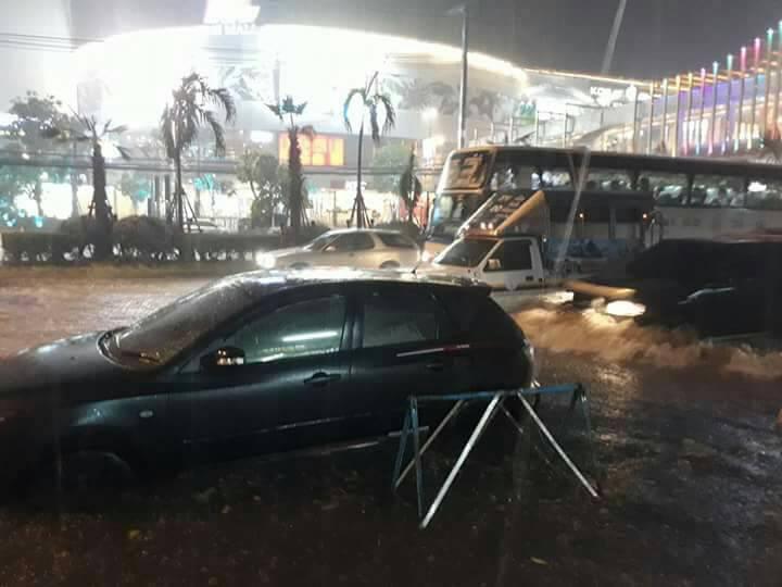 พายุฝนถล่มโคราชเกิดน้ำท่วมขังหลายพื้นที่