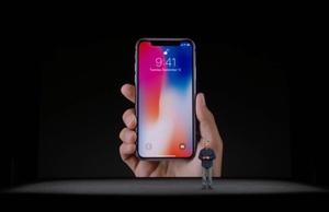 """""""แอปเปิ้ล"""" จัดหนักฉลอง 10 ปี เปิดตัว iPhone X ดีไซน์กล้องใหม่ไร้ปุ่มโฮม"""