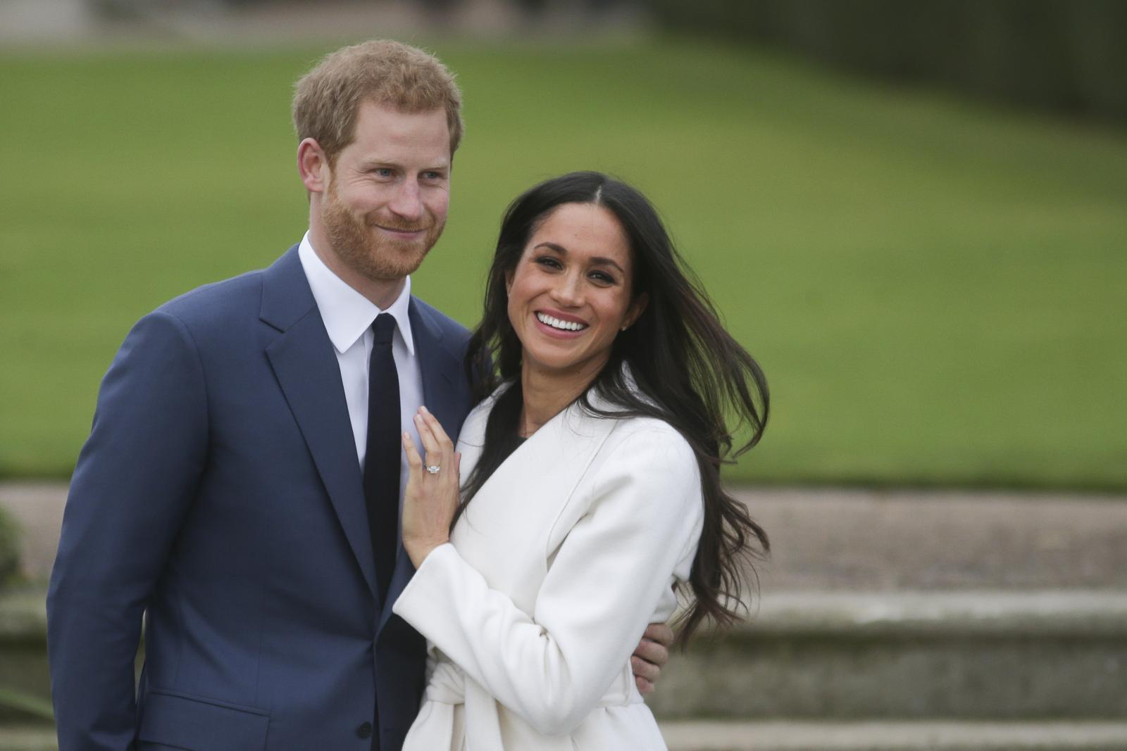 """""""เจ้าชายแฮร์รี่"""" ขอแต่งงานระหว่างย่างไก่ """"เมแกน"""" ปลื้ม สุดโรแมนติก!"""