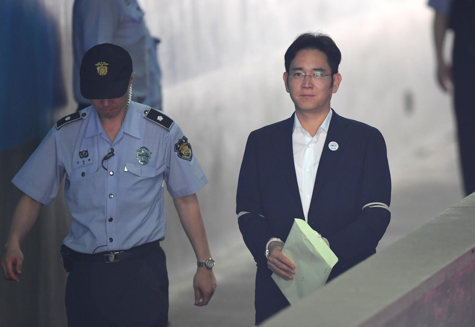 อัยการเสนอโทษจำคุก 12 ปี รองประธานซัมซุง