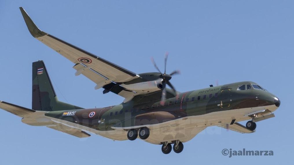 """รู้จัก!! เครื่องบินที่กองทัพรับ """"ตูน บอดี้สแลม"""" กลับกรุงเทพฯ"""