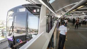 รถไฟฟ้าสายสีม่วงผู้โดยสารคึกคักหลังเชื่อมเตาปูน-บางซื่อ