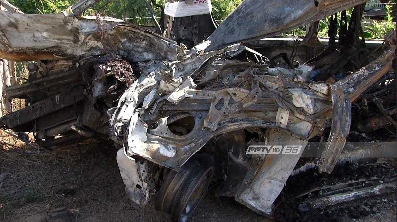แกะรอยสาเหตุรถตู้โดยสารชนสิบล้อ ย่างสดแรงงาน 14 ศพ