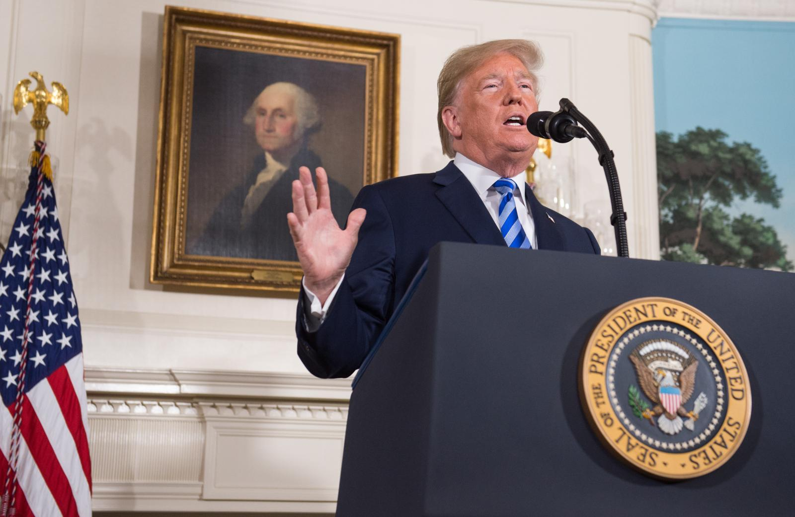 """""""ทรัมป์"""" ประกาศนำสหรัฐฯถอนตัวข้อตกลงนิวเคลียร์อิหร่าน"""