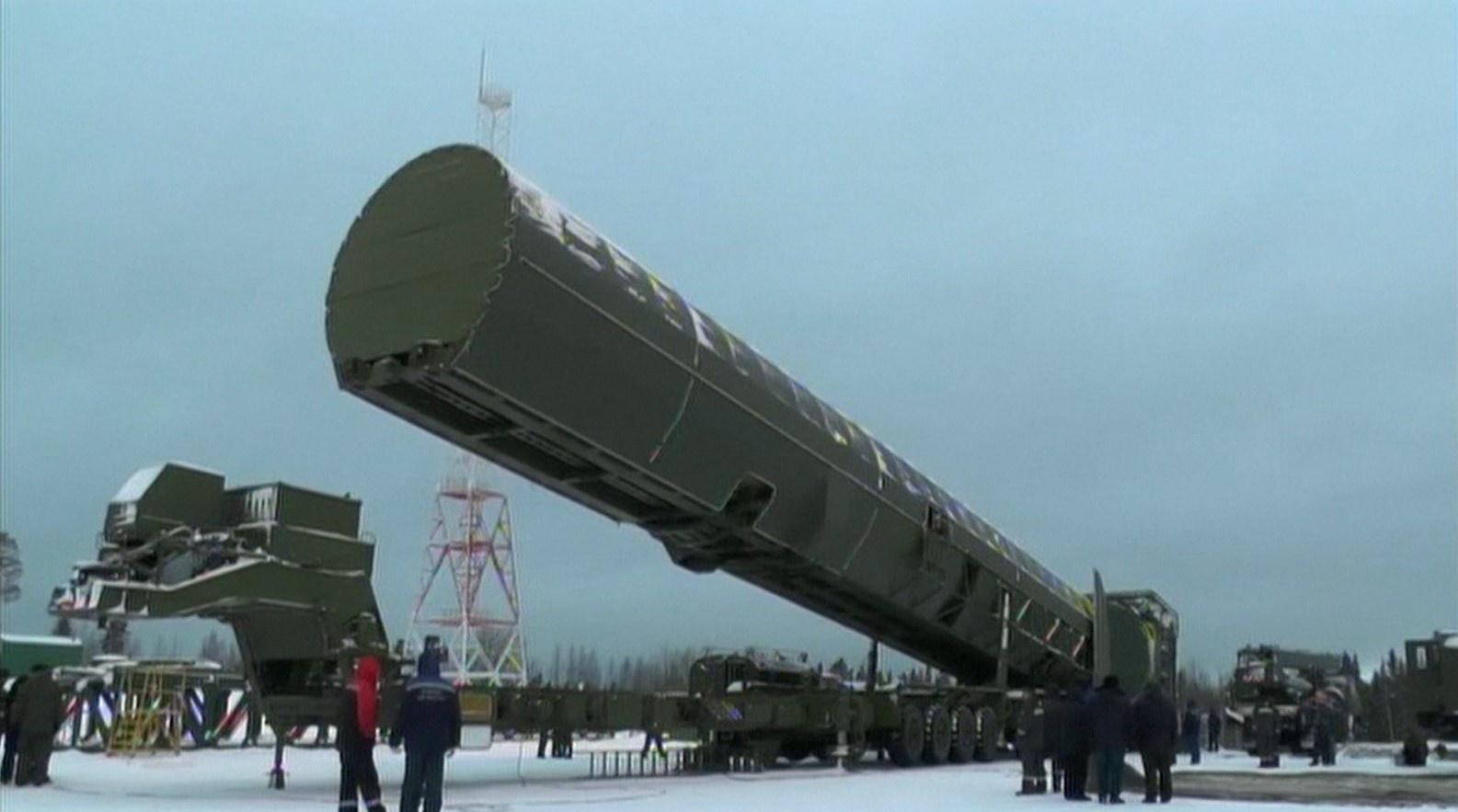 """""""ปูติน"""" เผยโฉมอาวุธนิวเคลียร์รุ่นใหม่ โจมตีได้ทั่วโลก"""