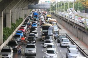 สจล.แนะผู้ขับขี่รถศึกษาเส้นทาง-ใช้ความเร็วให้เหมาะสมกับสภาพถนน