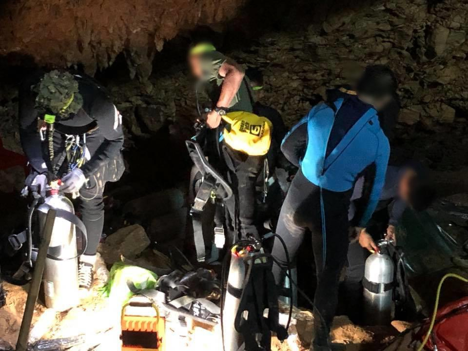 """""""หน่วยซีล"""" เผยภาพล่าสุดหลังมีข่าวดีค้นหา 13 ชีวิตติดถ้ำหลวง"""