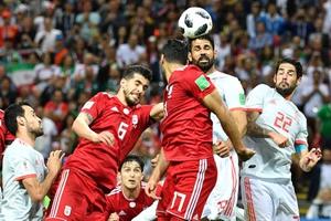 """""""สเปน"""" สุดเหนื่อยเฉือนชนะ """"อิหร่าน"""" 1-0 ลุ้นเข้ารอบนัดสุดท้ายกลุ่มบี"""