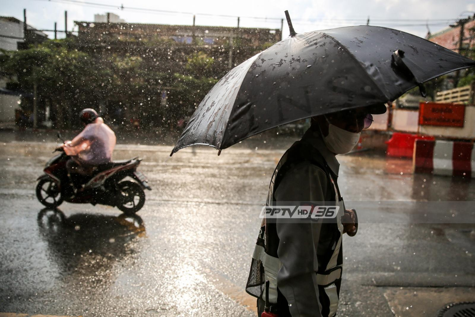 """กรมอุตุฯ เผย """"เหนือตอนล่าง-กลาง-ตะวันออก"""" ฝนตกหนักลมแรง"""