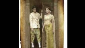ดาราไทยกับชุดไทย