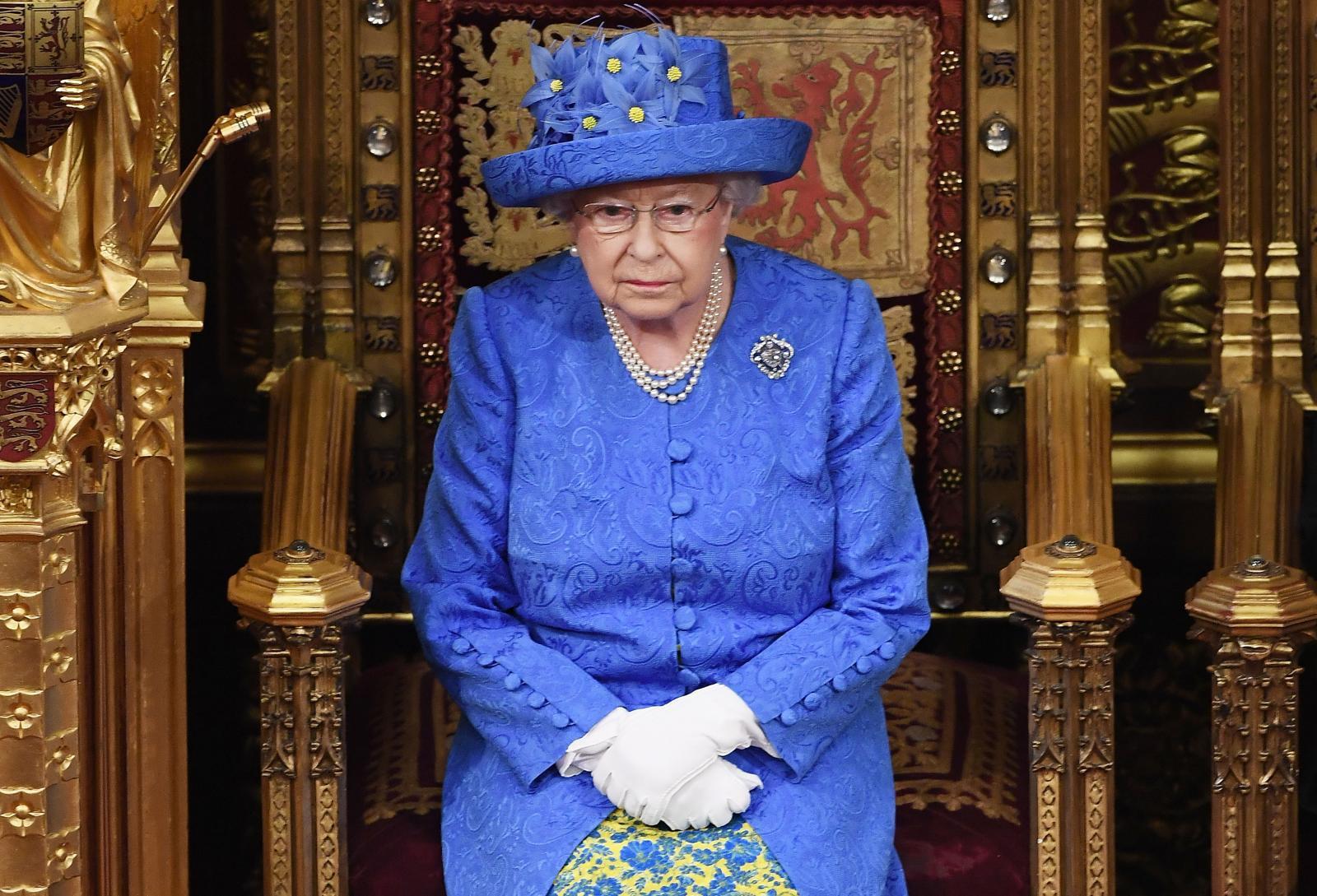 """อังกฤษรื้อแผนอพยพ """"ควีนส์"""" ยุคสงครามเย็น หากเกิดจลาจลจากเบร็กซิท"""