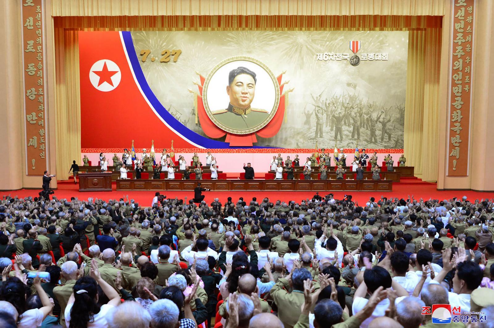 """คิม จองอึน เผย """"เกาหลีเหนือจะไม่มีสงครามอีก"""" เพราะมีอาวุธนิวเคลียร์"""