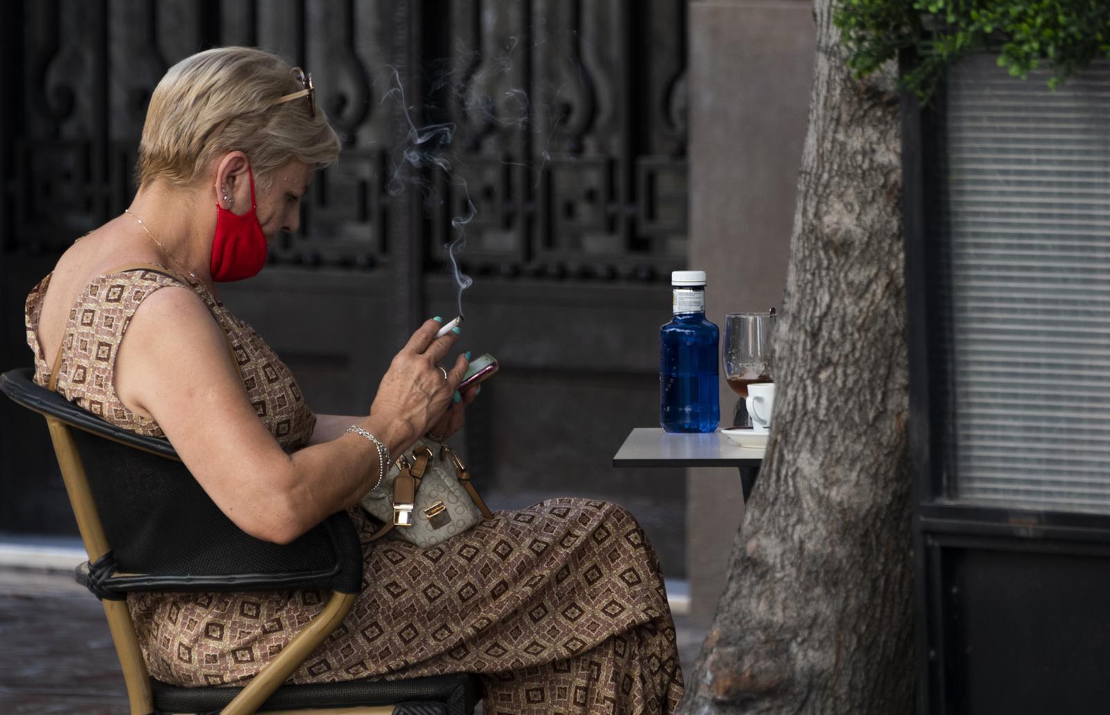 แคว้นกาลิเซียของสเปนห้ามสูบบุหรี่ป้องกันโควิด-19