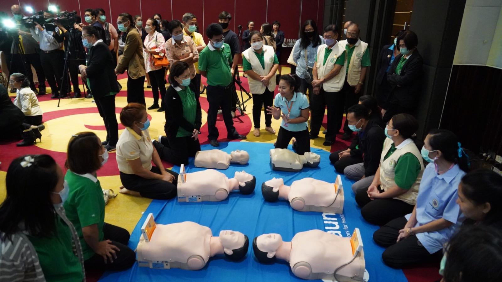 โครงการฝึกอบรมครู ประจำห้องพยาบาล เพิ่มทักษะการกู้ชีพ CPR