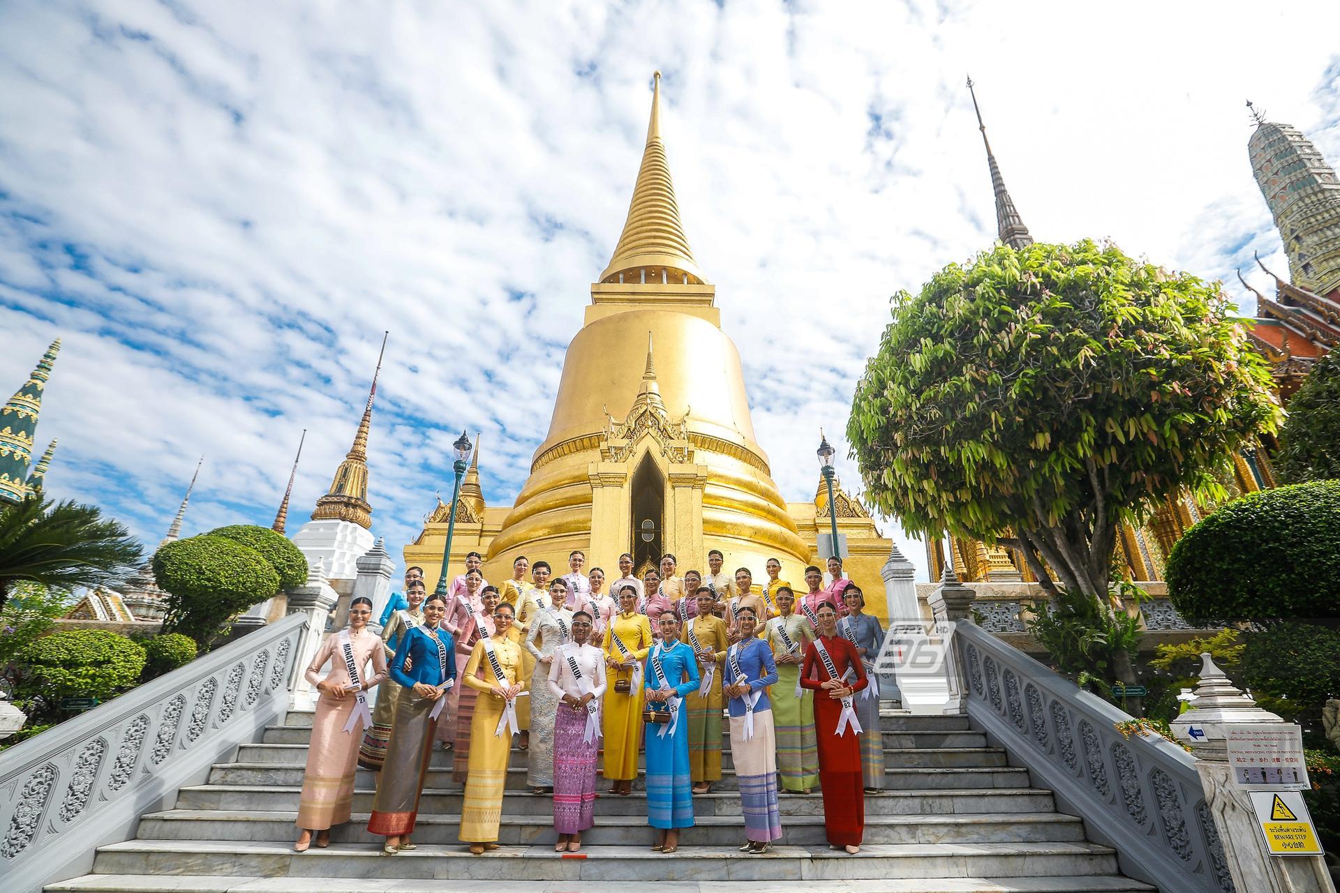 30 สาวงาม MUT 2020 งามอย่างไทย ร่วมสักการะสิ่งศักดิ์สิทธิ์คู่บ้านคู่เมือง