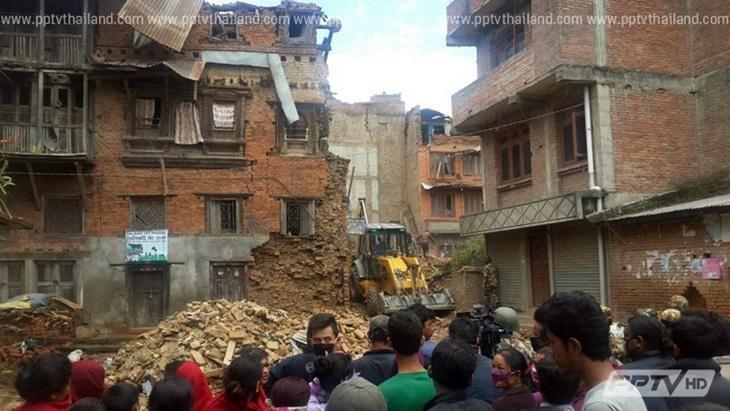 แผ่นดินไหวเนปาลล่าสุดดับ 100 ราย เร่งตามหาเฮลิคอปเตอร์ที่สูญหาย