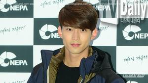 แทคยอน 2PM ทวิตล้อเลียนประเด็น ซาแจกี JYP เป็นบริษัทซื่อตรงไม่ปั่นยอดขาย