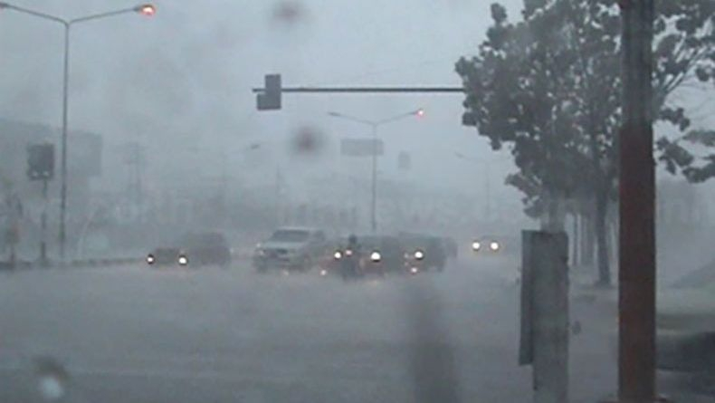 กทม.ฝนตกร้อยละ 40 เหนือกลางตะวันออกฝนเพิ่มบางแห่ง