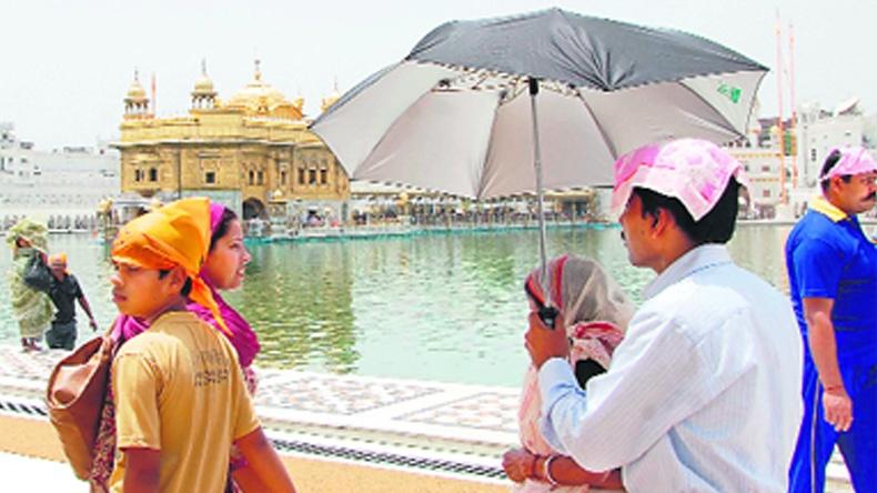 อินเดียร้อนพุ่ง 50 องศาฯ คร่าชีวิตผู้คนกว่า 1,000 ราย