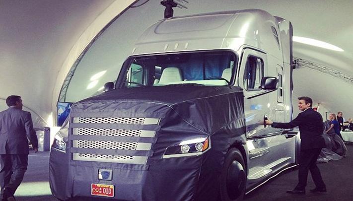 Inspiration Truck รถบรรทุกขับเคลื่อนแบบไร้คนขับคันแรกของโลก