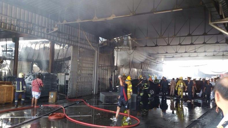ไฟไหม้อู่ทหารเรือคาดถังแก๊สระเบิด