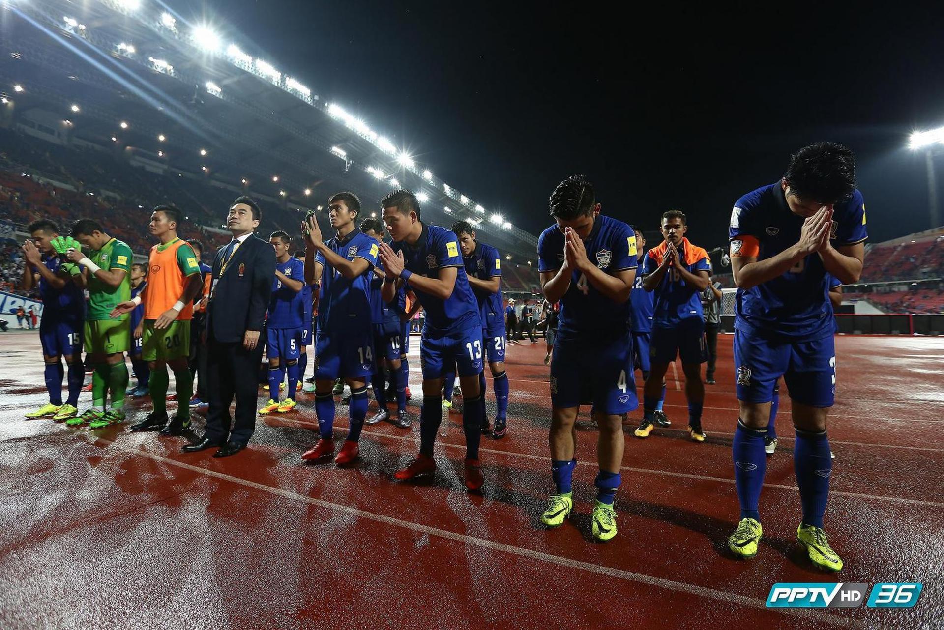 """ประมวลภาพ """"ทัพช้างศึก"""" ทีมชาติไทย เปิดบ้านพ่าย """"ลูกพระอาทิตย์"""" ทีมชาติญี่ปุ่น 0-2 WCQ2018"""