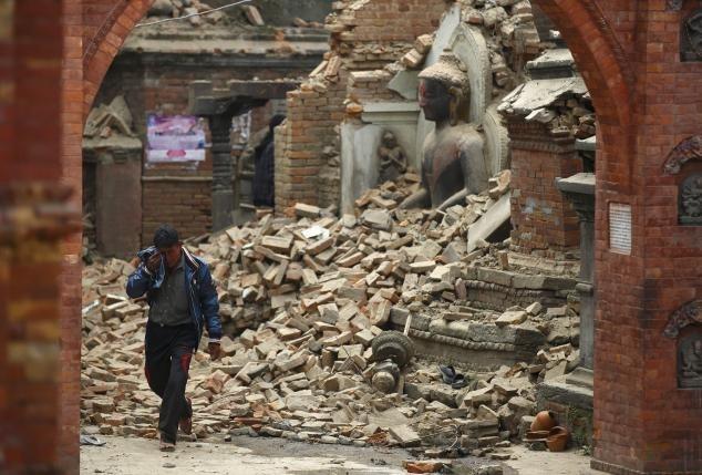 ขุดพบร่างนักปีนเขาเหตุแผ่นดินไหวเนปาลเสียชีวิตเพิ่ม 100 ราย
