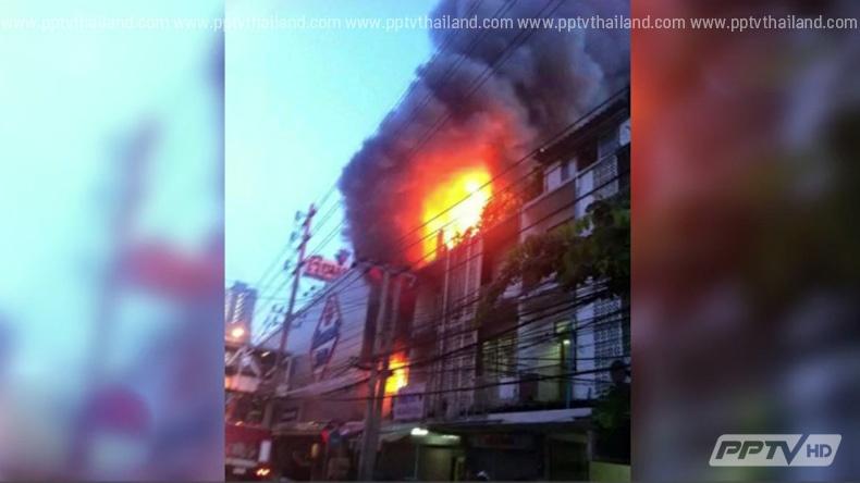 ไฟไหม้ร้านข้าวมันไก่กลางกรุงวอดทั้งหลัง คาดถังแก๊สระเบิด