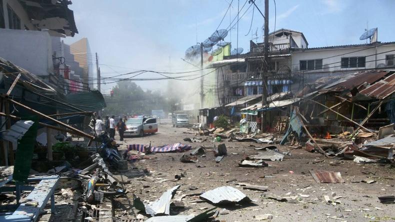 คาร์บอมบ์ นราฯ เจ็บ 13  บ้านเรือนเสียหาย 20 หลัง