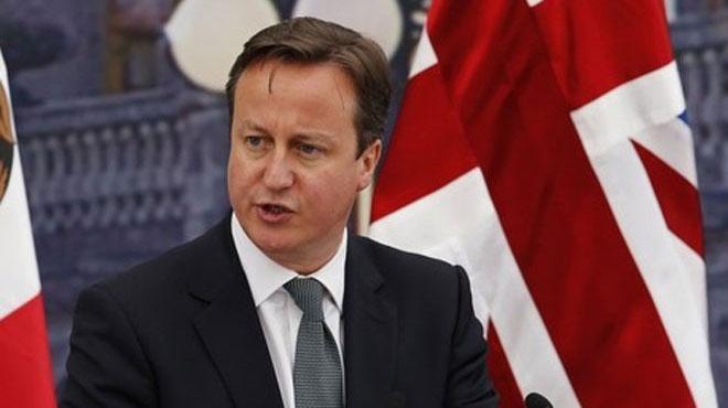 เดวิด คาเมรอน ทำคะแนนเข้าโค้งสุดท้ายเลือกตั้งอังกฤษ 2015
