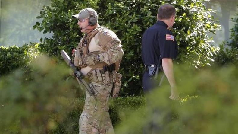คนร้ายบุกกราดยิงงานประกวดการ์ตูนหมิ่นศาสนาในสหรัฐฯ ตำรวจวิสามัญดับ 2