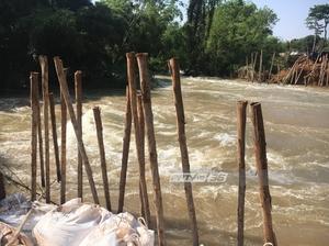 กรมชลฯเร่งกู้รอยขาดพนังกั้นน้ำขอนแก่น คาดใช้เวลา 2 วัน
