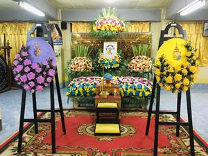 ในหลวง โปรดเกล้าฯพระราชทานพวงมาลา พระราชทานเพลิงจนท.การทางสละชีพอุโมงค์ทับลาน