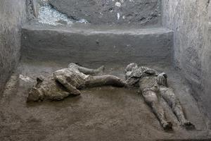 อิตาลี พบ 2 ซากศพ เหยื่อภูเขาไฟถล่มปอมเปอี 2,000 ปีก่อน