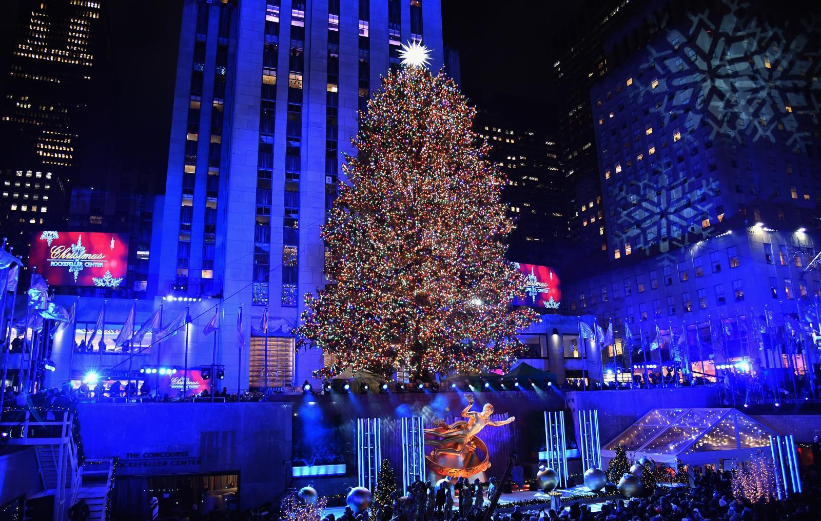นิวยอร์กเปิดไฟต้นคริสต์มาสร็อกกี้เฟลเลอร์