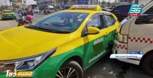 รถกู้ชีพรพ.ไทรน้อยชนกับแท็กซี่ เกือบส่งคนป่วยไม่ทัน
