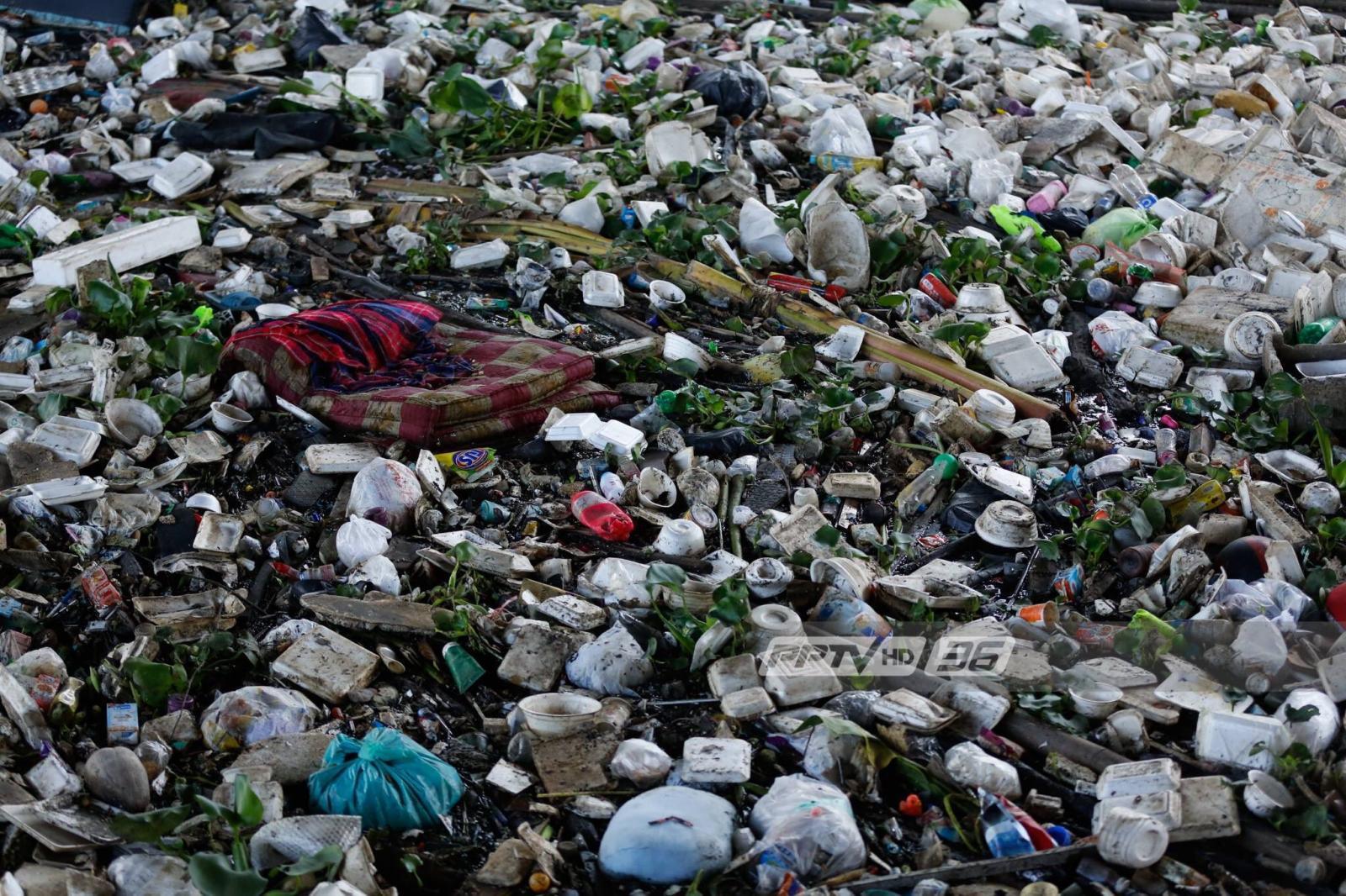 """""""ถนนจากขยะพลาสติก"""" หนึ่งในหนทางช่วยโลก?"""