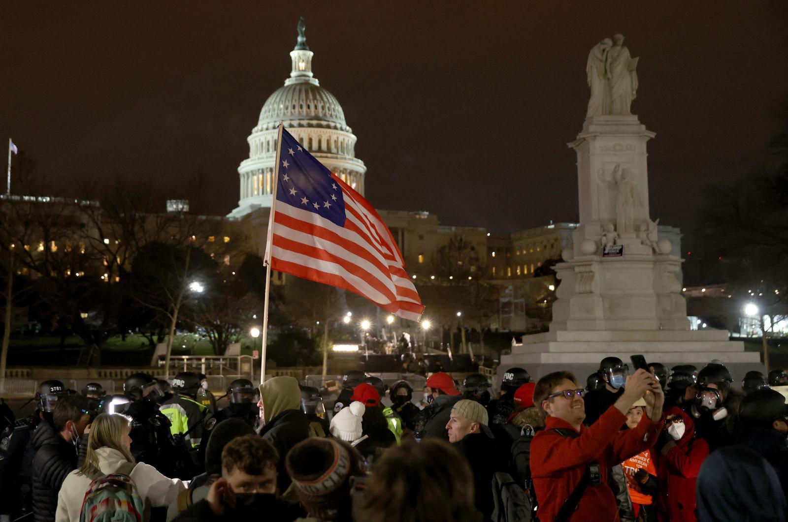 ไล่ลำดับเหตุการณ์บุกรัฐสภาสหรัฐฯ ความรุนแรงครั้งใหญ่ในดินแดนแห่งเสรีภาพ
